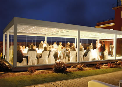 Pergole e tende da sole per bar e ristoranti for Arredi esterni per bar e ristoranti